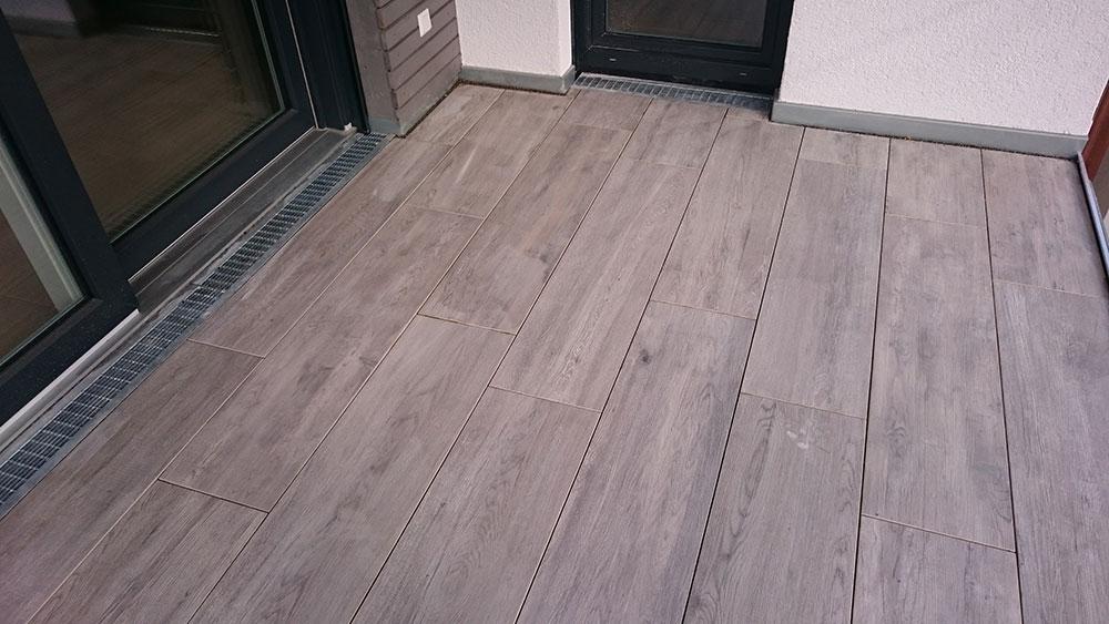 Fußbodenbelag Balkon ~ Bodenbelag aus feinstein auf einem balkon rommel garten und